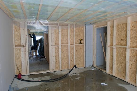 TV-stue/lekestuen i 1. etasje. Tror dette rommet vil fungere utmerket for små og store!