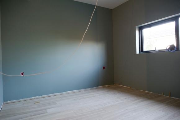 """Vårt soverom får en dus grønnfarge kalt """"sjøalge"""""""